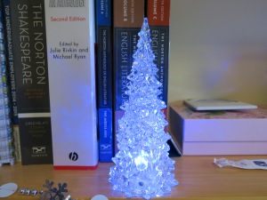 A little white tree which changes colour!